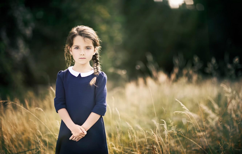 Фото обои платье, девочка, косичка, боке
