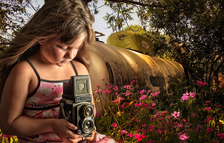 Обои minolta, Девочка, фотоаппарат, цветы, цистерна. Разное foto 6