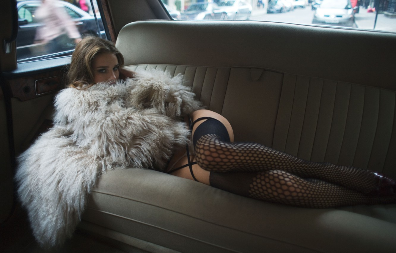 Фото обои машина, модель, белье, актриса, Rosie Huntington-Whiteley, Рози Хантингтон-Уайтли