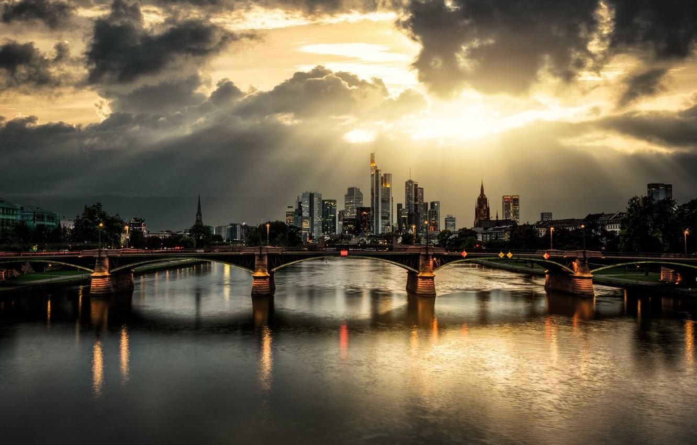 Фото обои лучи, тучи, мост, город, река, photographer, Guerel Sahin