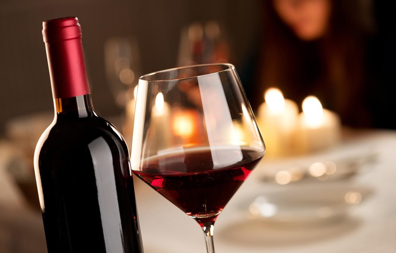 Обои бутылка, стол, бокал, вино, красное. Разное foto 6