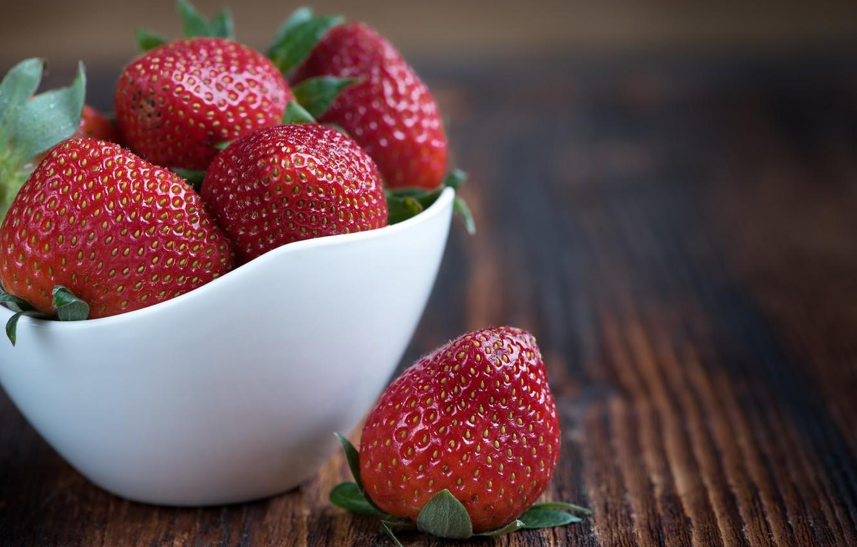 Фото обои макро, ягоды, клубника, миска