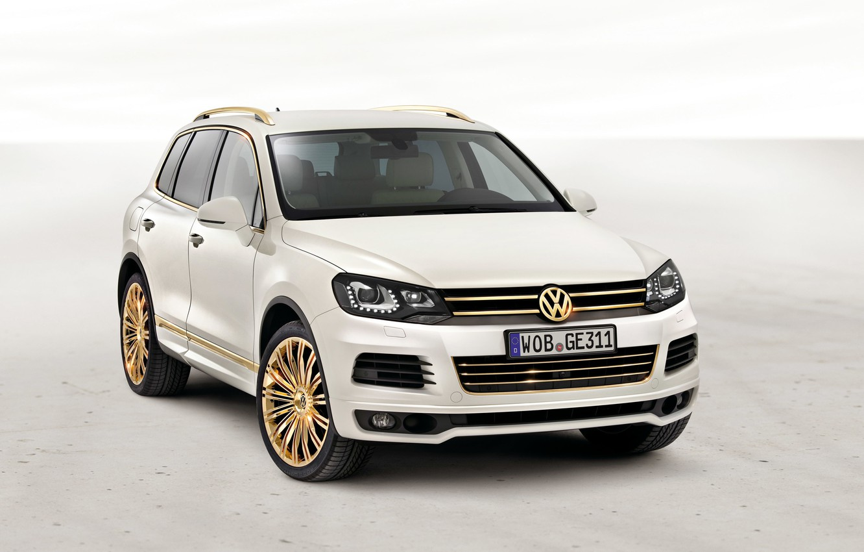 Фото обои Белый, Volkswagen, Золото, Номер, Диски, Touareg