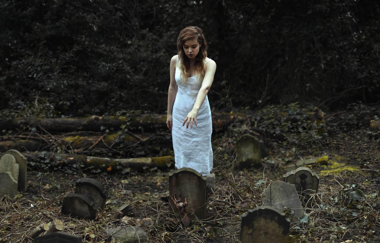 Фото обои девушка, могилы, рука, кладбище