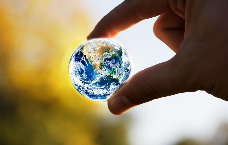 Фото обои земля, рука, земной шар