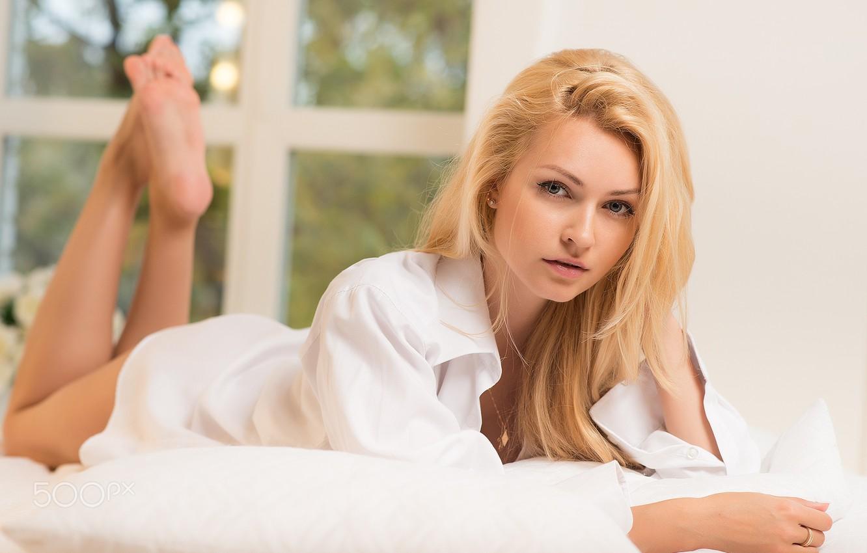 Фото обои девушка, утро, блондинка, постель, рубашка, Katerina Blank