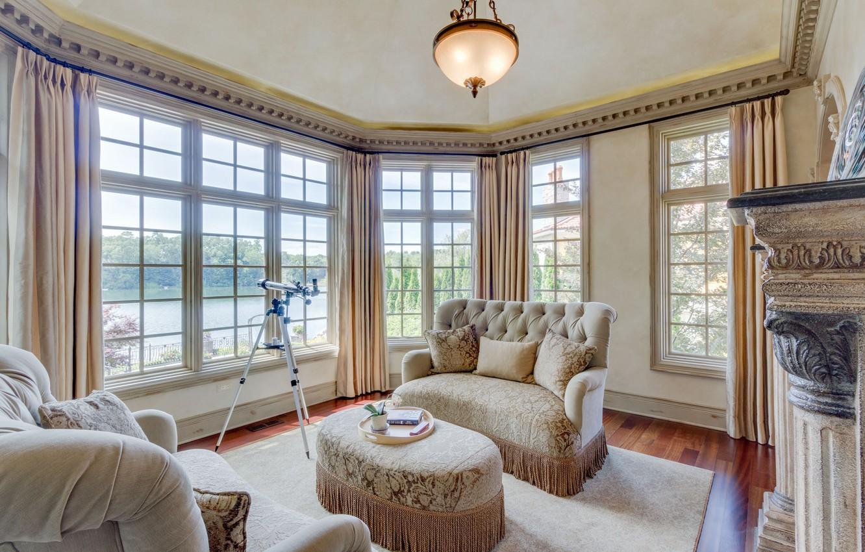 Фото обои дизайн, подушки, окно, пуфик, диваны, бежевый, гостиная