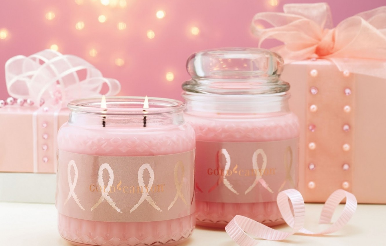 Фото обои розовый, праздник, подарок, нежный, новый год, свеча, лента, банка, бусы, бантик, свечка, happy new year, …