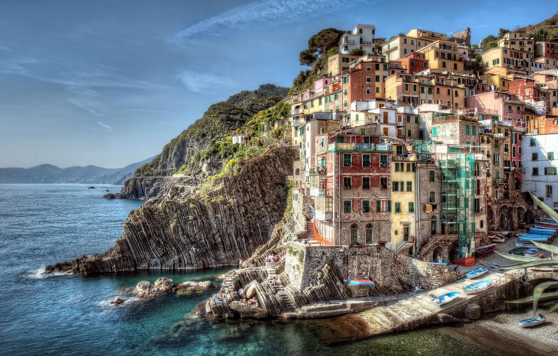 Фото обои море, пейзаж, скалы, побережье, здания, лодки, Италия, Italy, Riomaggiore