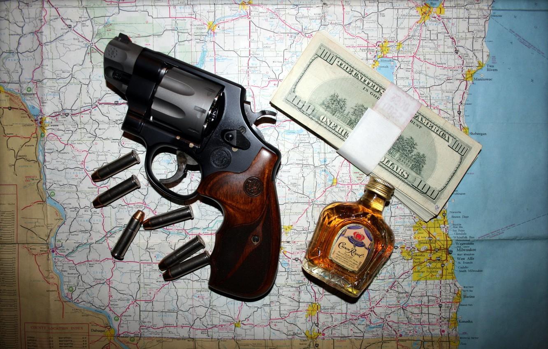 Фото обои карта, деньги, револвер