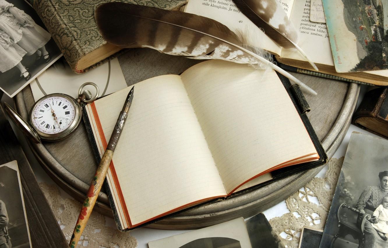 Фото обои ретро, бумага, стол, часы, книги, ручка, блокнот, фотографии, vintage, винтаж, открытки