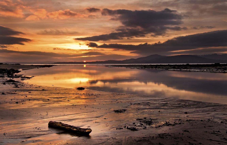 Фото обои закат, озеро, вечер, мель, палка