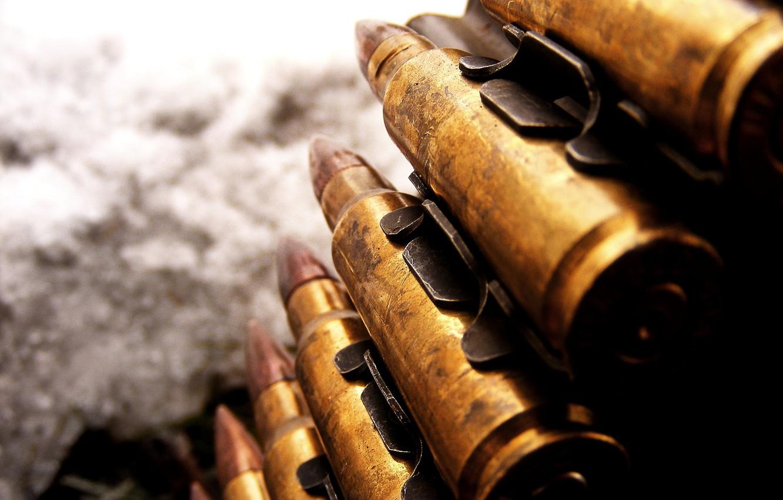 Фото обои оружие, крупный калибр, патроны, пулемётная лента
