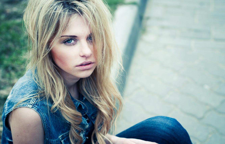 Фото обои взгляд, девушка, волосы, блондинка