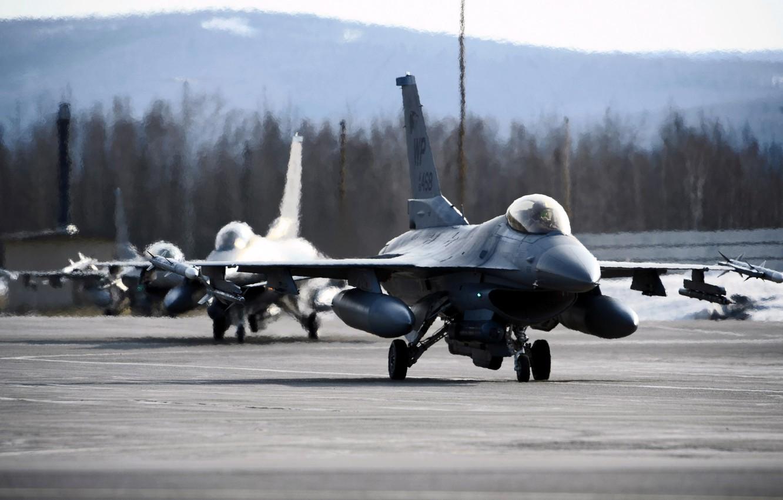 Фото обои Небо, Самолет, Истребитель, Три, Корпус, Крылья, США, Авиация, ВВС, Многоцелевой, Одноместный, F 16, F 16A, …