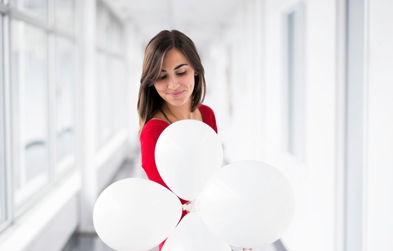 Картинка девушка шары