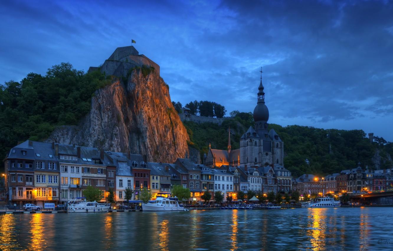 Фото обои ночь, мост, огни, скала, река, дома, яхта, катер, Бельгия, Belgium, Wallonia, Dinant, Валлония