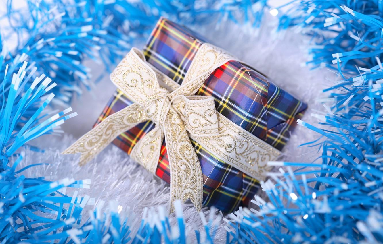 Фото обои макро, праздник, коробка, подарок, новый год, лента, new year, мишура, бант, синяя, blue, голубая, упаковка, …