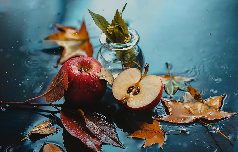Фото обои осень, листья, капли, яблоки