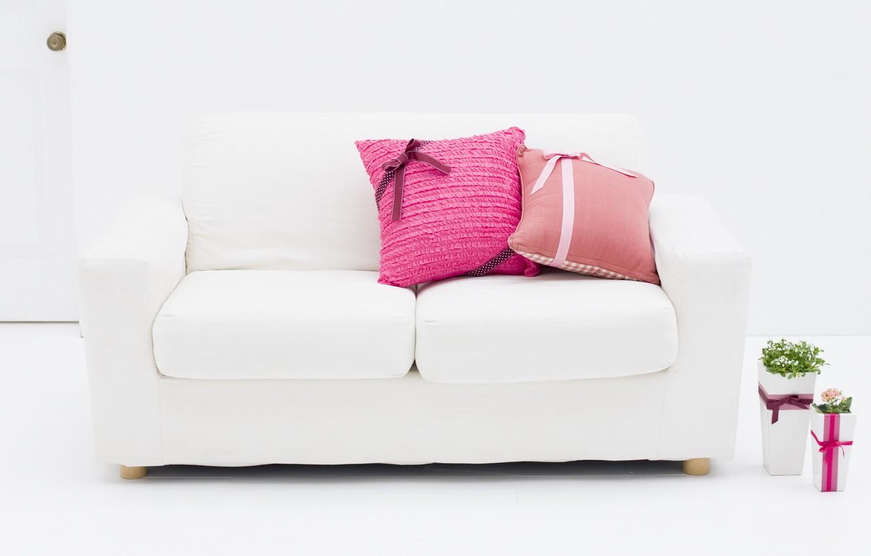 Фото обои белый, цветы, дизайн, стиль, комната, розовый, интерьер, растения, подушки, квартира, бантик