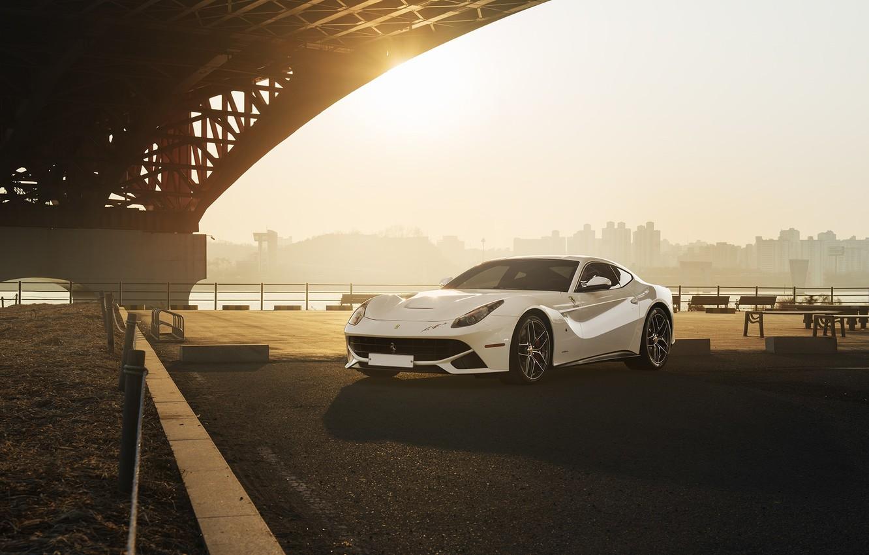 Фото обои City, Ferrari, Front, Bridge, Sun, White, Supercar, Berlinetta, F12
