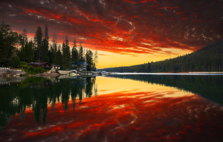 Фото обои лес, небо, вода, облака, деревья, закат, горы, природа, парк, отражение, река, дома, colors, forest, river, …