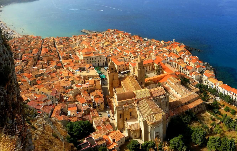 Фото обои море, скалы, побережье, дома, крыши, Италия, панорама, Sicily, Cefalu