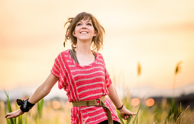 Фото обои трава, закат, Линдси Стирлинг, Lindsey Stirling, скрипачка