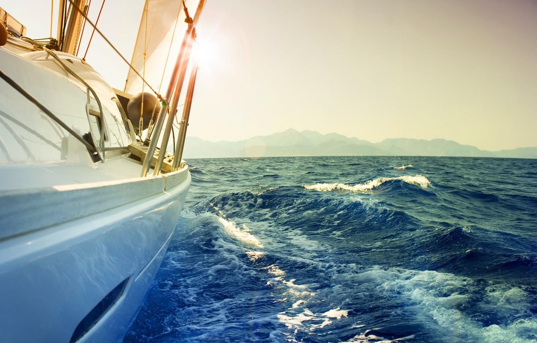 Фото обои море, волны, небо, пена, вода, брызги, фон, настроение, океан, ветер, обои, лодка, пейзажи, корабль, ситуация, ...