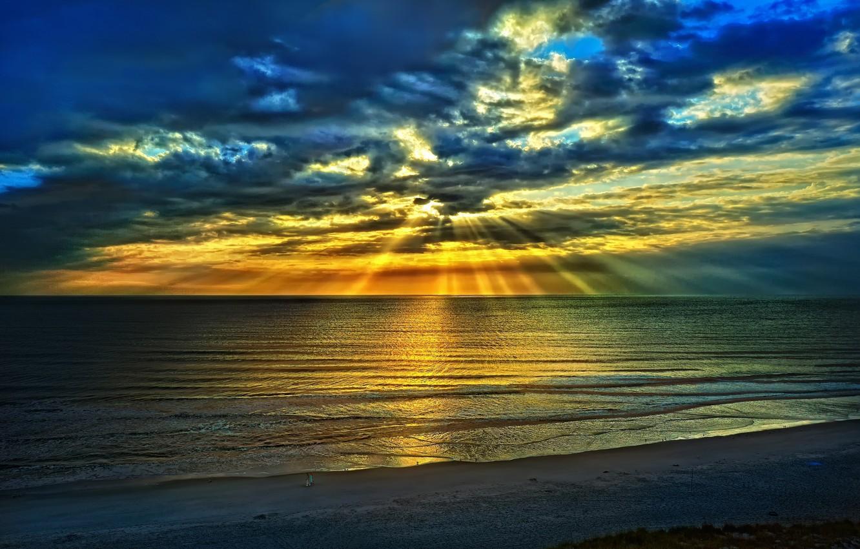 Фото обои море, пляж, небо, облака, пейзаж, синий, природа, восход солнца, летом, лучей