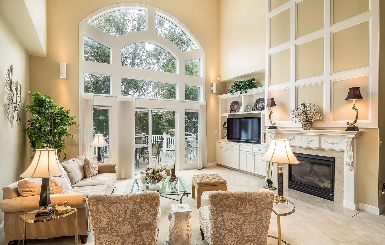 Фото обои дизайн, лампы, окно, кресла, камин, гостиная