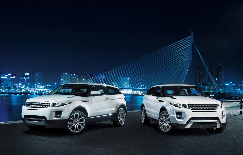 Фото обои белый, мост, купе, Land Rover, ночной город, range rover, coupe, передок, кроссовер, эвок, ленд ровер, …