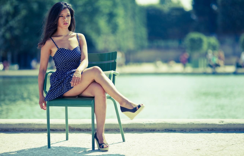 Фото обои лето, портрет, стул, сарафан
