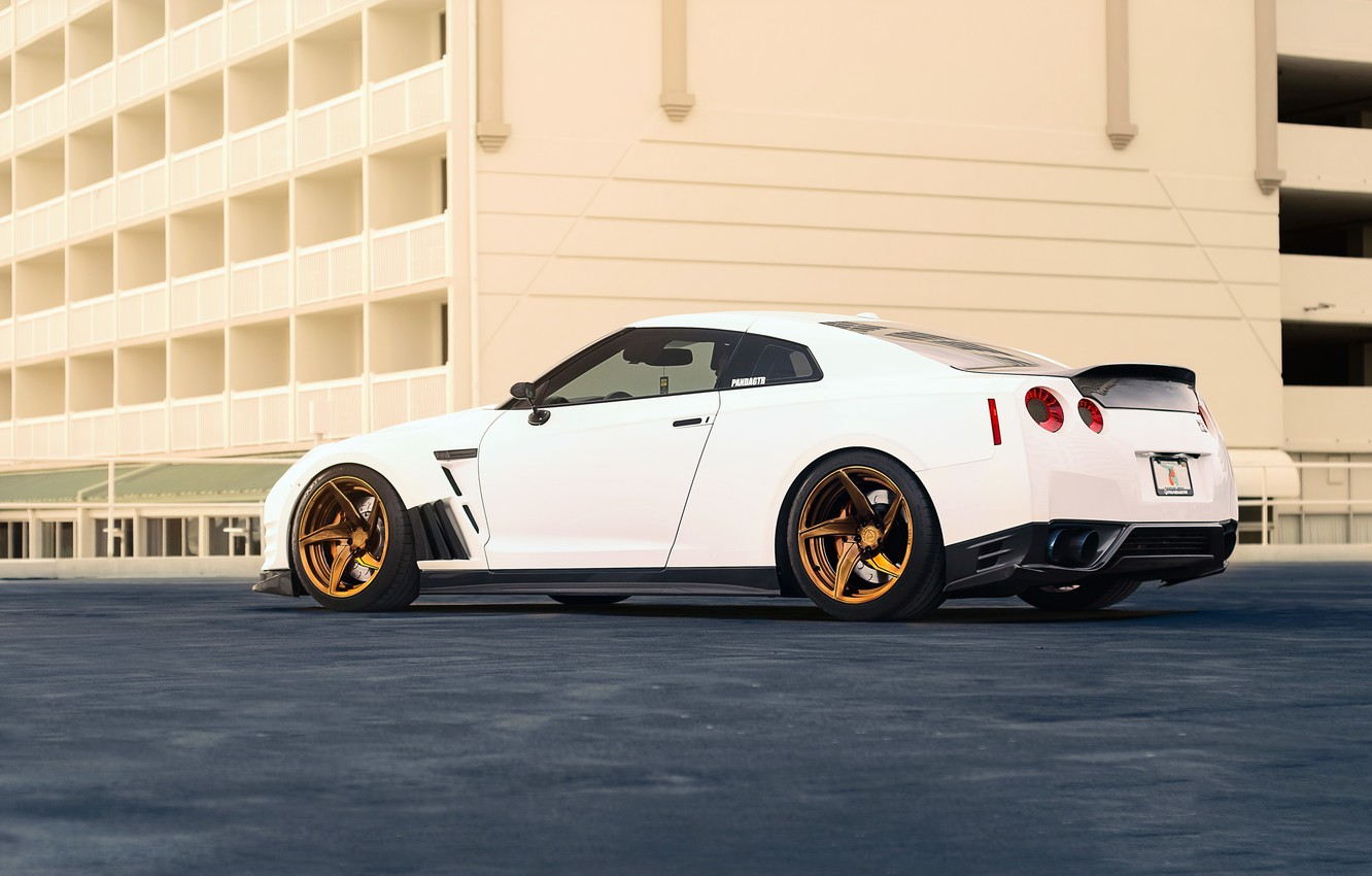 Фото обои Nissan, GT-R, Car, Power, White, R35, Sport, Rear, Ligth