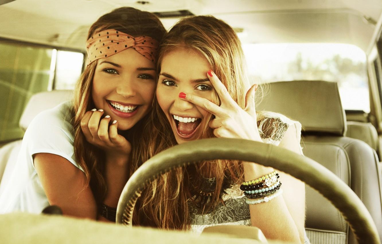 Фото обои радость, улыбка, девушки, красивые, веселье, Sandra Kubicka