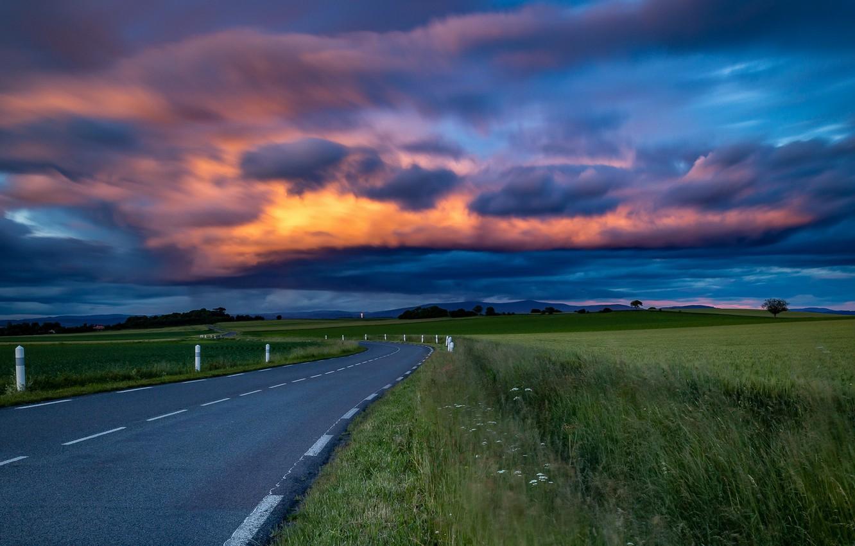 красивые картинки небо и дорогами нем представлена