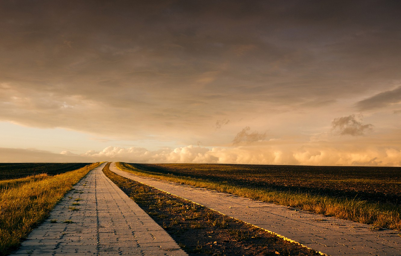 Фото обои дорога, поле, облака, горизонт, ферма