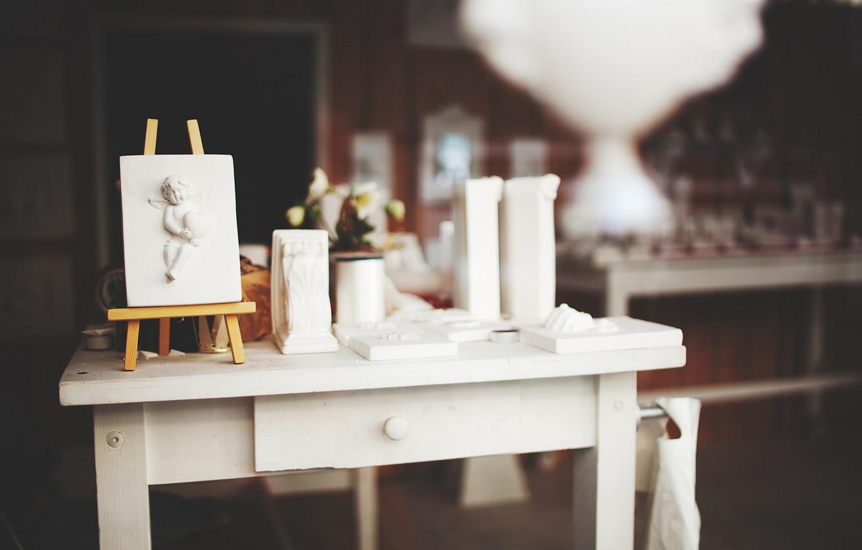 Фото обои стол, ангел, мольберт