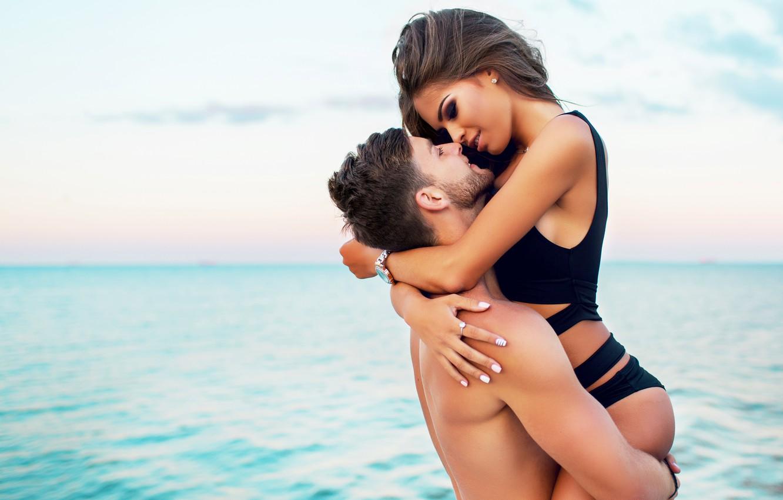 Фото обои love, beaches, couple, swimsuit, romance, vacation