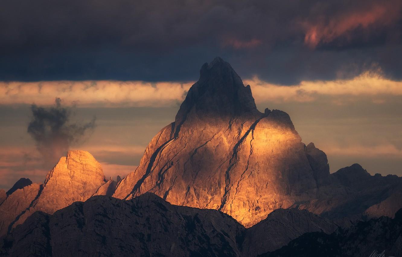 Фото обои небо, свет, горы, природа, вершина
