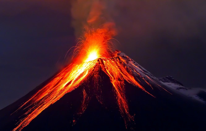 Фото обои вулкан, извержение, лава, sky, mountains, fantastic, lava, volcano, eruption, landsсape