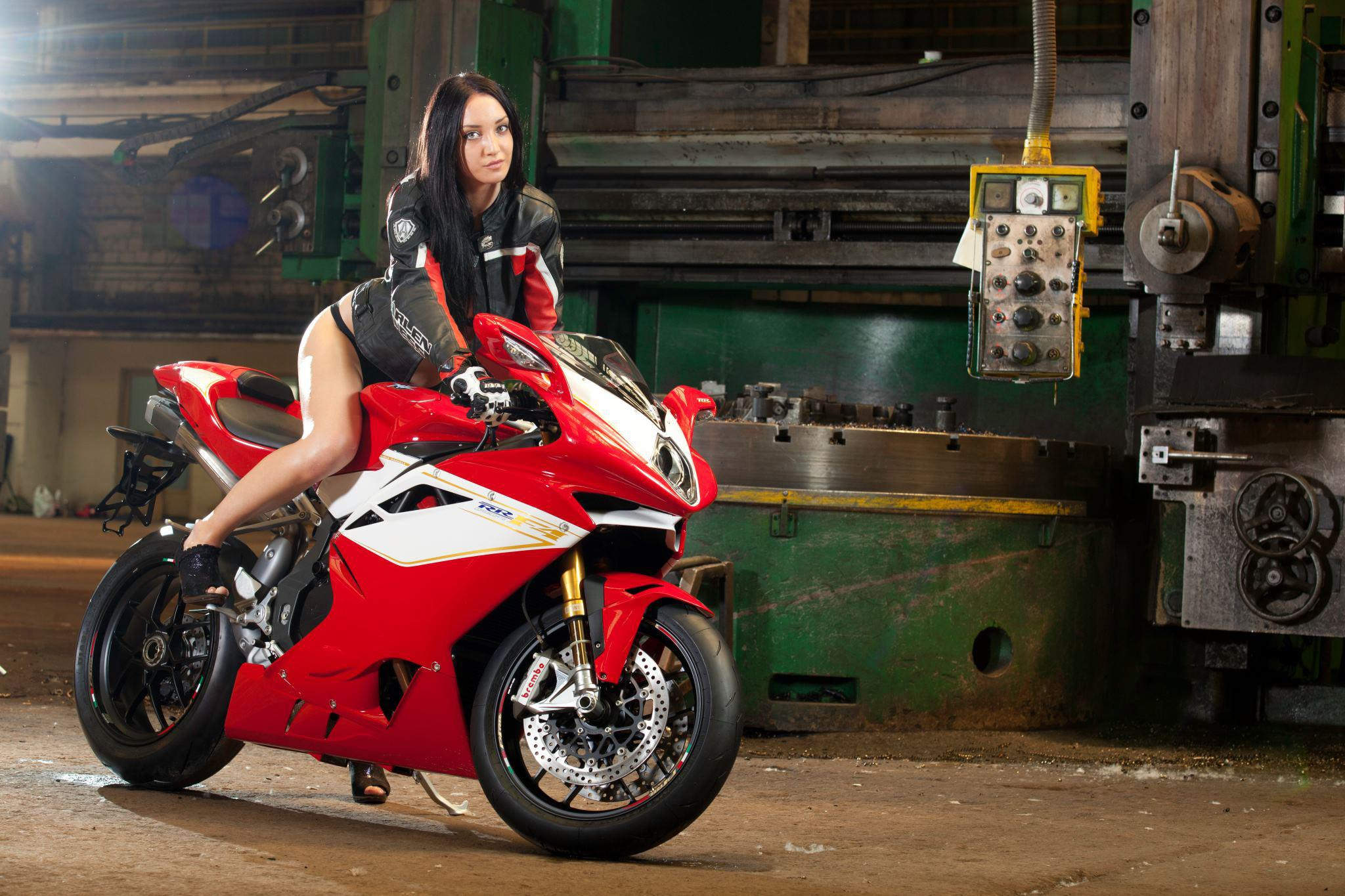 hot-girls-and-sport-bike