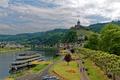 Картинка горы, берег, город, Reichsburg, крепость, река, Кохем, лес, дома, Германия, деревья, замок, причал, Cochem, теплоход, ...