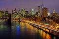 Картинка огни, небоскребы, ночь, дома, Нью-Йорк, река, город
