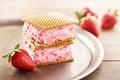 Картинка клубника, ягода, мороженое, десерт, сладкое, вафля, strawberry, dessert, Ice cream, Sweets