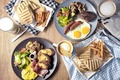 Картинка блюда, ассорти, сосиски, картофель, кофе, яичница, хлеб, мясо