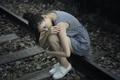 Картинка азиатка, девушка, железная дорога