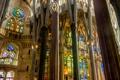 Картинка колонны, витражи, Испания, религия, Барселона, Храм Святого Семейства