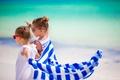 Картинка девочки, лето, очки, Little girls, child, море, sea, полотенце, прогулка, дети
