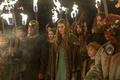 Картинка факелы, Alyssa Sutherland, Aslaug, Vikings, Travis Fimmel, процессия, Викинги, Ragnar Lothbrok